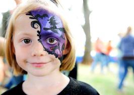 Kassie Kessler at the 12th Annual Auburn Community Festival at Recreation Park. (Auburn CA, 2008)